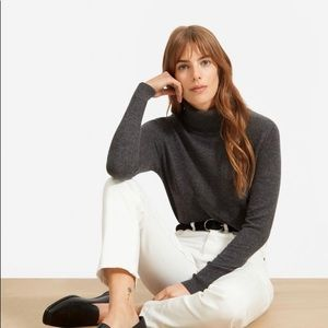white/bone everlane cheeky jean - size 25 tall